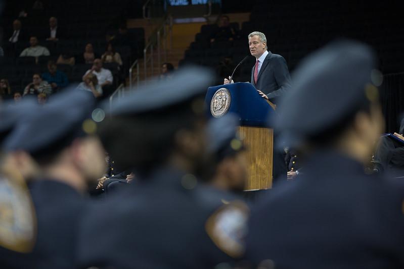 de Blasio NYPD budget deal 2021