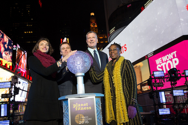 de blasio mccray 2015 2016 new years eve