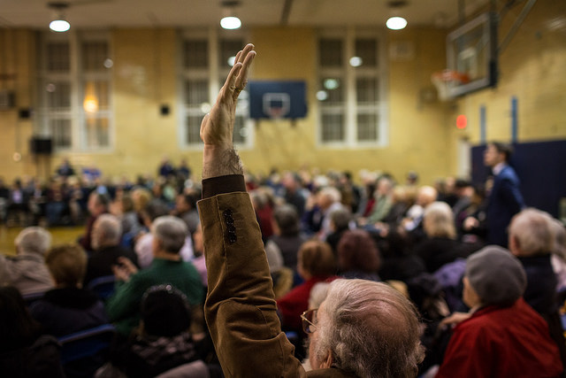 hand raised de blasio town hall