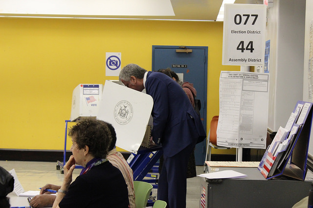 Mayor de Blasio voting