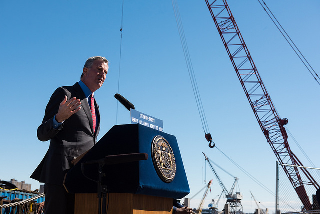 de blasio crane shadow