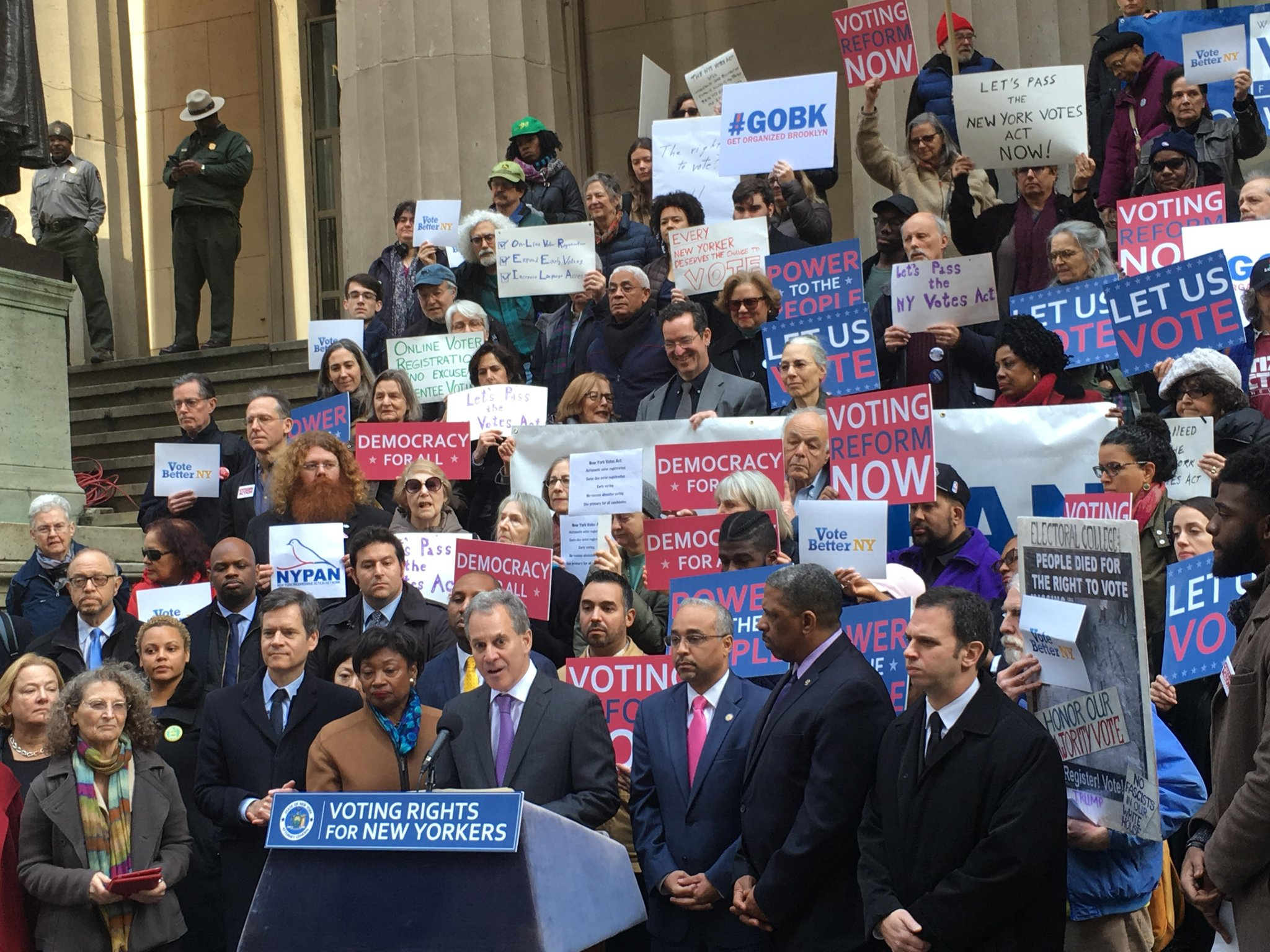 Schneiderman releases voting reform legislation