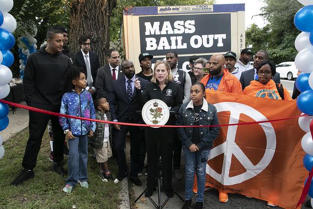 melinda katz ribbon mass bail out