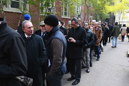 mayor-voting-long-line-lg