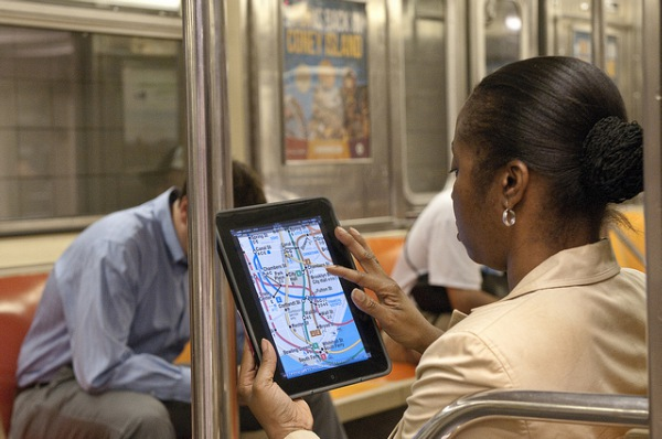 woman-tablet-subway